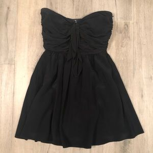 Elizabeth and James Crawford Bow-Front dress
